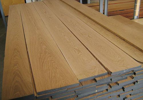 Có rất nhiều tiêu chí cho một địa chỉ cung cấp nguyên liệu gỗ uy tín